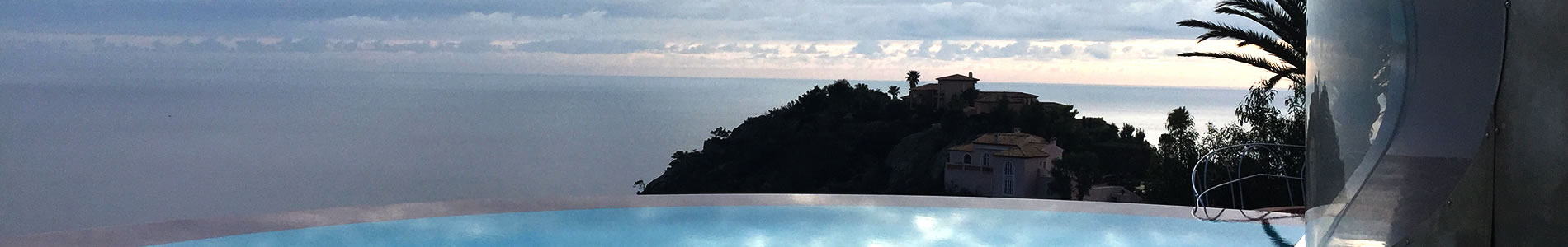 Extract from The Palais Bulles in balance between the sea and the sky