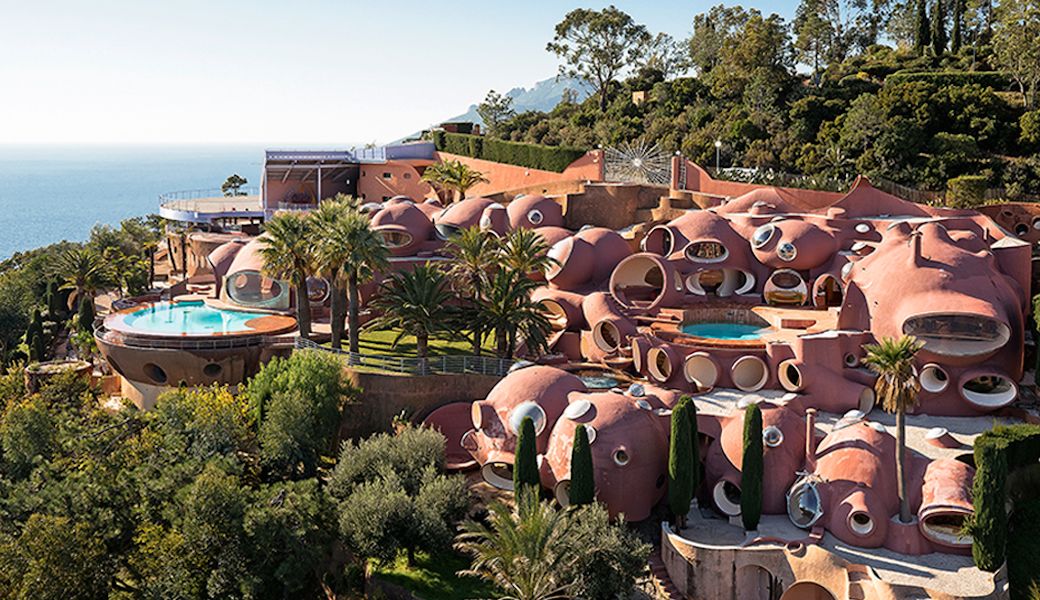 Aerial vue of the Palais Bulles